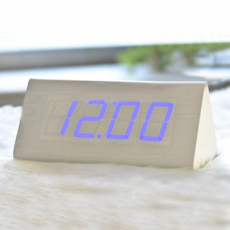 Часы-будильник Пирамида 21 см с термометром белое дерево синие цифры зв. активация
